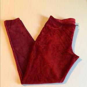 Hue Red Velour Leggings Large